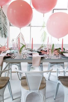 Tropical bridal shower idea -pastel shower {Courtesy of 100 Layer Cakelet} Surfer Party, Diy Party Dekoration, Ballon Party, Tropical Bridal Showers, Flamingo Party, Baby Shower Balloons, Deco Table, Luau, Table Settings