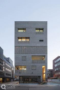 Contemporary Home Plans - Minimalist home plans Architecture Design, Library Architecture, Minimalist Architecture, Facade Design, Brick Facade, Facade House, Interior Exterior, Exterior Design, House Outer Design