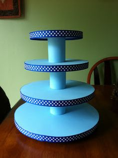 Our Life in West Virginia: Cupcake Stand Tutorial