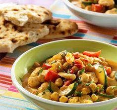 Kikkererwten worden veel gegeten in India. Ze zijn enorm voedzaam en combineren makkelijk met andere smaken. Laat je verrassen door deze heerlijke curry.