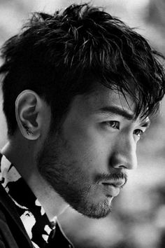 If you are looking for the best Asian beard style, you can check out these unique Asian men's beard styles. Find the right Asian beard and give yourself a cool new look! Skin Fade With Beard, Beard Fade, Asian Men Hairstyle, Asian Hair, Clean Cut Beard, Bart Design, Godfrey Gao, Hot Asian Men, Asian Guys