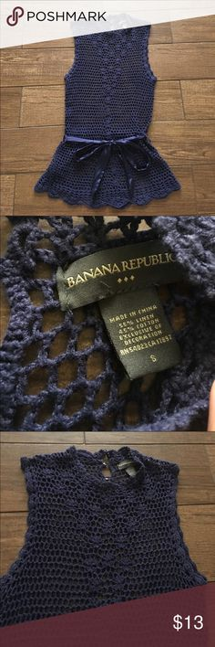 Banana Republic crochet top Adorable Banana Republic knit or crochet top. Sleeveless slight mock neck. 3 buttons in back has a satin belt. Lots of detail on the front at neckline. In excellent condition size small Banana Republic Tops Tank Tops