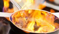 flambè http://www.venetoesapori.it/it/protagonista/ristorante-bastioni-del-moro #food #italy #typical #veneto #padova #cibo #flambè #flame