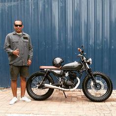 I fully like the things these guys did to this customized Honda 125, Yamaha 125, Honda Bikes, Honda Motorcycles, New Honda, Cg 125 Cafe Racer, Cafe Racer Bikes, Cafe Racer Motorcycle, Motorcycle Style