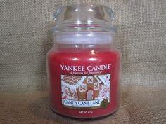 Alt av deilige duftlys    Eksempel: Yankee Candle (aner ikke om denne spesifikke er god, men yankee candle pleier i alle fall å lukte godt generelt)
