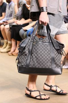 hopefully my new black bag... Selectism - Louis Vuitton