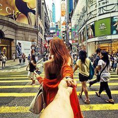 """Murad Osmann and Nataly Zakharova in """"Follow me On"""". Fotógrafo retrata namorada guiando-o pelas mãos ao redor do mundo"""