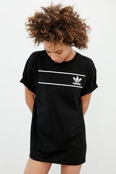 Shop adidas Originals Retro Logo Tee at Urban Outfitters today. We carry all the latest styles, colors and brands for you to choose from right here. Adidas Shirt, Camisa Adidas, Adidas Outfit, Fitness Style, Fitness Logo, Fitness Fashion, Sport Fashion, Fashion Outfits, Womens Fashion