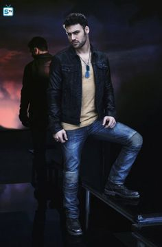 Ryan Guzman as Carlos Gutierrez - Heroes Reborn Ryan Guzman, Hot Actors, Handsome Actors, Handsome Man, Heroes Reborn, Taylor Kitsch, Beautiful Men Faces, Karl Urban, Joe Manganiello