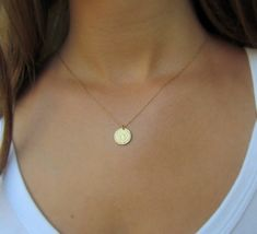Gold Disc Necklace Hammered Gold Disc Necklace от ravitschwartz