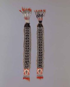 Native American Indian artifact from the Warnock collection - Ojibwa-Chippewa - Eastern Ojibwa, Ottawa? Native American Clothing, Native American Crafts, Native American Beading, Native American Indians, Native Americans, Native Style, Native Art, Seed Bead Earrings, Beaded Earrings