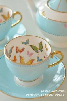 Best Tea Sets That Need to be in Your Living Room 21 For the best outcome, every type of tea ought to be prepared differently too. If you prefer your ordinary tea drinking turn into a true tea party, you may add some decorations like a great centerpi… Café Chocolate, Teapots And Cups, Teacups, Best Tea, My Cup Of Tea, Tea Cup Saucer, High Tea, Tea Time, Tea Pots