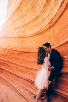 Insane colors, epic views, and great style - this engagement session at The Wave has our jaws on the floor | Anna Jones Photography
