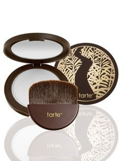 tarte's best-selling Amazonian clay finishing powder in an easy-to-apply pressed powder compact to help fight excess oil and shine for a fresh complexion all day long.
