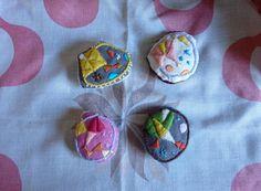 """""""Geometría torcida"""" Broches bordados by @LaMariola_DelaO. www.delao.es #bordado #emboidery"""