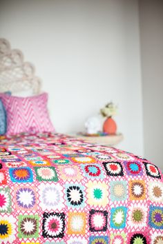 Retro Granny Square crochet blanket with chain join.
