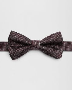 SHOP AW16: Gift someone with the classic finesse of a bowtie with KIVAN. Woven from pure silk, this polished piece will uplift your formal attire – credit due to its effortless clip-on design and timeless aesthetic.
