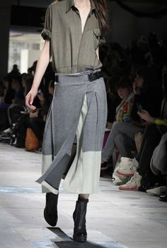 Slouchy and loose suiting fabrics made fem (TopShop Unique)