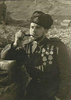 Senior Lieutenant Alexander Raikunov - commander submachine company separate battalion of marines Novorossiysk Black Sea Fleet. Soviet Navy, Soviet Union, Black Sea Fleet, An Officer And A Gentleman, Military Love, Imperial Russia, Red Army, Second World, World War Two
