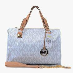 MICHAEL Michael Kors Handbag Selma Mini Messenger Bag