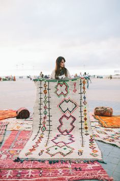 Awesome Colorful Moroccan Rugs Decor Ideas - Home Design - lmolnar - Best Design and Decoration You Need Morrocan Rug, Moroccan, The Golden Girls, Boho Decor, Bohemian Rug, Bedroom Minimalist, Navy Walls, Deco Boheme, Textiles
