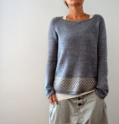 Knitting instructions Llevant by Isabell Kraemer - crochet patterns Sweater Knitting Patterns, Knit Patterns, Knitting Sweaters, Knitting Needles, Knitting Stitches, Pulls, Knitting Projects, Knitting Ideas, Knitwear
