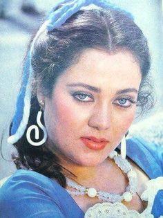 Classic Actresses, Indian Actresses, Golden Star, Beautiful Bollywood Actress, Indian Art, Indian Beauty, Dj, Culture, Actors