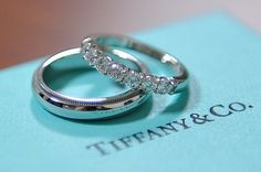 7 Classic Tiffany Engagement Rings … There really is nothing quite like a classic Tiffany engagement ring. They're timeless, beautiful, something that can be handed down for … wedding bands 7 Classic Tiffany Engagement Rings . Tiffany Promise Rings, Tiffany Wedding Rings, Tiffany Engagement, Cheap Wedding Rings, Wedding Shoes, Wedding Bands, Engagement Rings, Camo Wedding, Wedding Blue