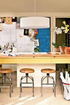 Studio ideas Workspace - Before & After: Garage Makeover - Southern Living Landscape Can Drive Home Garage Office, Garage Loft, Garage Workbench, Dream Garage, Garage Guest House, Painted Wood Floors, Garage Remodel, Kitchen Remodel, Garage Makeover
