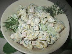 Fajny, delikatny smak sałatki. Nadzienie pieczarkowe świetnie komponuje się z koperkiem Tortellini, Pesto, Potato Salad, Potatoes, Cheese, Ethnic Recipes, Food, Potato, Essen