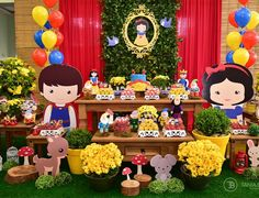 Apenas morrendo de amores😱🍎🍎 #aniversariodeumano #aniversariodemenina #aniversariobrancadeneve Birthday Table, 2nd Birthday Parties, Birthday Party Decorations, Party Themes, Party Ideas, Snow White Costume, Snow White Birthday, Baby Girl First Birthday, Woodland Party
