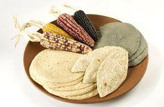 Todo sobre: Blancas, azules o amarillas, son las tortillas. Lee más en http://elartedelbuenvivir.com