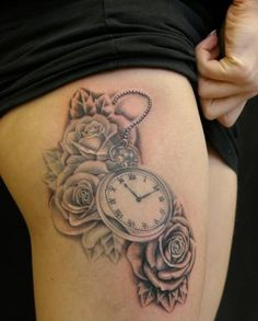 Pocket watch, rose tattoo Matt Kennedy Black and Grey Tattoo Big Tattoo Planet Tattoo Femeninos, Piercing Tattoo, Back Tattoo, Leg Tattoos, Body Art Tattoos, Sleeve Tattoos, Tattoo Side, Piercings, Girl Tattoos