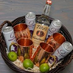 Get The Most Out Of Your Christmas Corporate Gifts – Gift Ideas Anywhere Alcohol Gift Baskets, Liquor Gift Baskets, Themed Gift Baskets, Alcohol Gifts, Wine Baskets, Fundraiser Baskets, Raffle Baskets, Boyfriend Gift Basket, Boyfriend Gifts