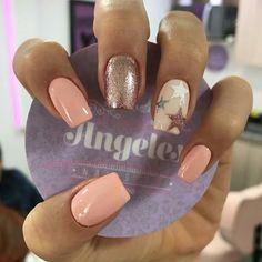 Manicure Nail Designs, Nail Manicure, Pedicure, Nail Art Designs, Gel Nails, Nail Polish, Pink Nails, Glitter Nails, New Years Eve Nails