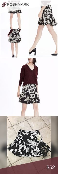 Banana Republic Floral flounce hem skirt! This is darling and a perfect wardrobe staple!! New! Fully lined - side zip - flounce hemline! Love!  Banana Republic Skirts