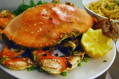 Roasted Garlic Dungeness Crab with Garlic Noodles « The Culinary Chronicles Garlic Crab Recipe, Dungeness Crab Recipes, Crab Stuffed Shrimp, Garlic Noodles, Best Appetizers, Roasted Garlic, Fish And Seafood, Seafood Recipes, Copycat Recipes
