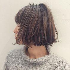 * 切りっぱなしボブ❤︎ * あごラインでカットする事で小顔効果も。シンプルなファッションでもオシャレにキマる ハンサムスタイルです。 . . #あさボブ#切りっぱなし#束感#ウェット感 . #shima#hair#ginza#hairarrange#mirandakerr#mery #ヘアー#ヘアスタイル#ボブ#ロングヘアー#コーデ#コーディネイト#ヘアカラー#ヘアアレンジ#アイロン#アッシュ#アッシュカラー#ハイライトカラー#外国人風ハイライトカラー#外国人風ヘアー#ラベンダーアッシュ #ミランダカー#メリー#銀座#切りっぱなしボブ