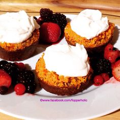 Skinny scan bran carrot cake muffins topped with lemon cheese cake cream Slimming World Cake, Slimming World Recipes, Scan Bran Recipes, Turkey Chilli, Lemon Cheese, Carrot Cake Muffins, Muffin Top, Tex Mex, Carrots