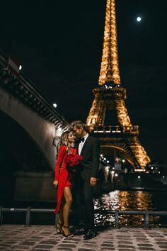 Fashion blogger mia mia mine wearing a red dress with husband in front of the eiffel tower in paris. Visit my blog to see more cute couples outfits, couples date night outfits, and luxury fashion. #couplegoals #cutecouples #datenight Tour Eiffel, Nature Girl, Paris Itinerary, Classy Couple, Paris Shopping, Romantic Moments, Photo Couple, New Perspective, Location
