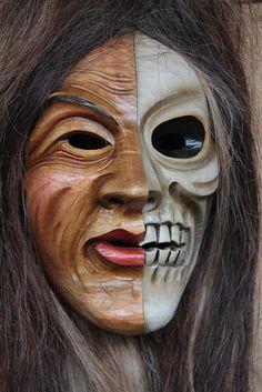 Holzmasken von Edgar Spiegelhalter - Freier Bildhauer