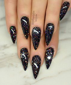 How to Get Hard Nails – Turn Split Nails and Brittle Nails Into Strong Nails Black Nails With Glitter, Black Acrylic Nails, Rose Gold Nails, Nude Nails, Gel Nails, Red Black Nails, Gorgeous Nails, Pretty Nails, Hard Nails