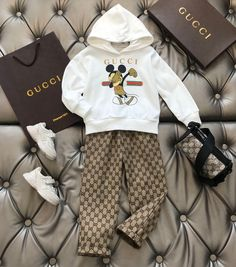 Designer Baby Boy Clothes, Luxury Baby Clothes, Winter Baby Clothes, Baby Kids Clothes, Toddler Girl Style, Toddler Girl Outfits, Baby Girl Fashion, Kids Fashion, Cute Sleepwear