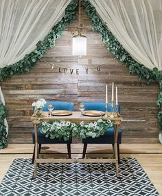 This wood wall is becoming a staple for my weddings. Now I just need to convince my husband we can store it in my garage.... Sweetheart table   @realityandretrospect
