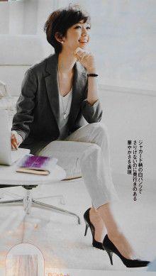 30代後半 ストレートタイプ Sさま ジャケット Vゾーンとのバランス サイズ感|骨格診断・パーソナルカラーから学ぶ、40代、50代からの大人ファッションレッス ン Asian Fashion, Love Fashion, Plus Size Fashion, Womens Fashion, Tokyo Street Style, Fashion For Women Over 40, Office Attire, Business Casual, Short Hair Styles
