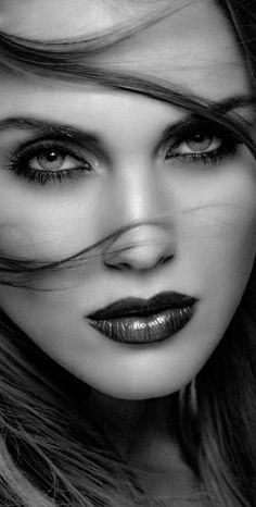Like Beauty Life fo Keep Cover Most Beautiful Faces, Beautiful Eyes, Beautiful Women, White Photography, Portrait Photography, Glamour Photo, Model Face, Black And White Portraits, Pretty Eyes