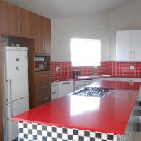 3 Bedroom Townhouse for rent in Vincent, East-London Property For Rent, Rental Property, Townhouse For Rent, Granite Tops, Gas Stove, East London, Open Plan, Dining Area, Lounge