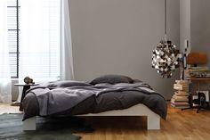 Als Wohnfarbe ist Grau die Ruhe selbst, wenn es so balanciert, so harmonisch ist wie Manhattan. Erholung und Wärme sind ihre großen Potenziale.