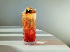 Matala-alkoholiset cocktailit ovat pop! Näillä kahden raaka-aineen cocktaileilla viet pisteet kotiin – Viinilehti Katana, Martini, Vase, Home Decor, Decoration Home, Room Decor, Vases, Home Interior Design, Martinis