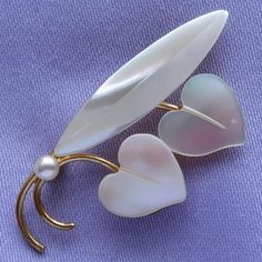 Vintage MOTHER-of-PEARL & Pearl Heart Shaped Leaf Brooch